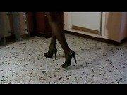 Lady Kreed in Striscia ai miei piedi